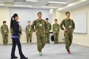陸海空各自衛隊服のファッションショー「じえコレ」