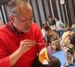 旭川市在住の絵本作家・あべ弘士さんの「クマと少年」の原画展